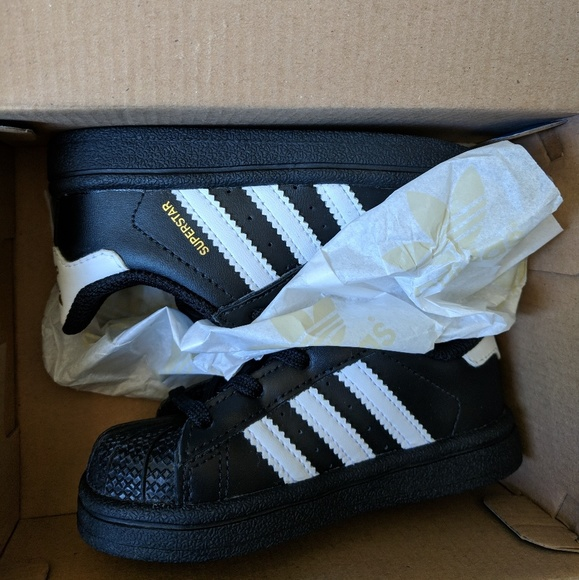 le adidas superstar poshmark nero
